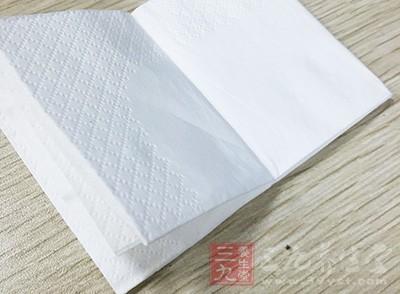 就餐安全 劣质餐巾纸生产过程全曝光