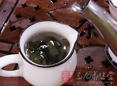 空腹饮茶空腹饮茶,茶性入肺腑