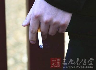 嗜烟酗酒,患功能障碍