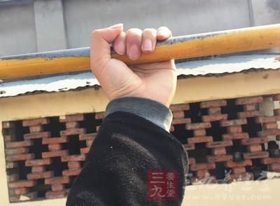 吊单杠能长高吗 怎么做能长得更高