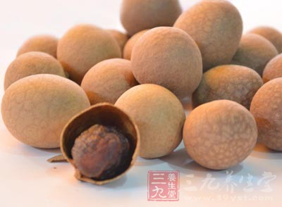 将桂圆作为八宝粥原料之一,可补血、益气、改善健忘