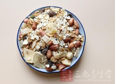 燕麦的功效真的很不错,能够有效的预防感冒、防三高、防癌