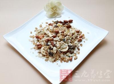燕麦中的β-葡聚糖不能吸收,在大肠中发酵,产生丙酸、丁酸等短链脂肪酸,抑制腐败菌