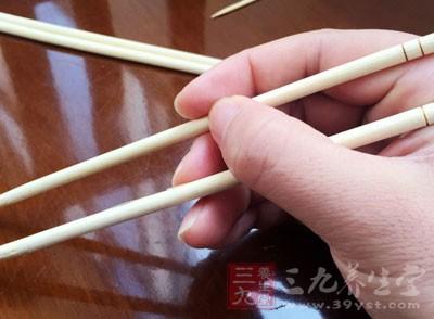 健康养生 一次性碗筷竟然藏着这秘密