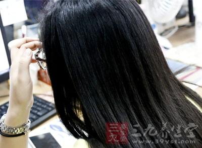 白发的原因 这原因竟会导致白发越来越多