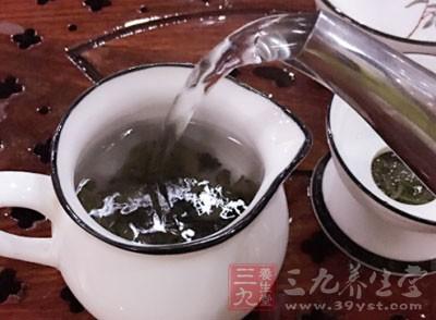 凉茶——无论他们是用黑色,绿色或白色的叶子制成