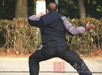 48式太极拳 练习48式太极拳可预防慢性病