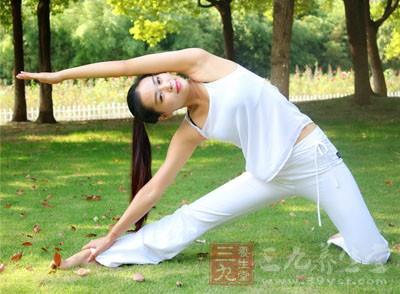 瑜伽视频教程初级 初学者练习瑜伽的注意事项