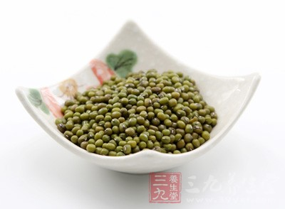 将绿豆磨成粉状