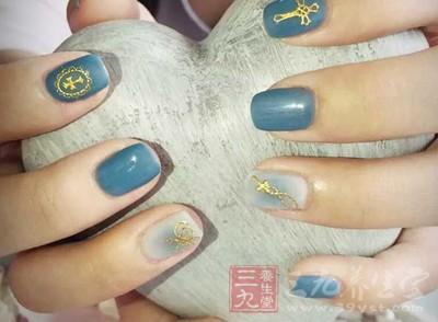 自古以来,指甲的修饰是女性美的重要内容