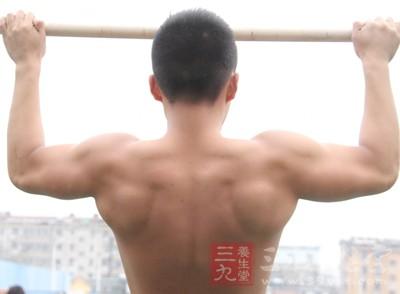 一身强健的肌肉是每个男人所向往的