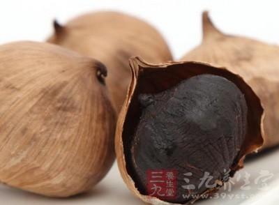 黑蒜又名黑大蒜、发酵黑蒜