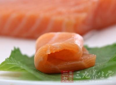一般在吃鱼的时候,不要将鱼肚中的鱼籽扔掉