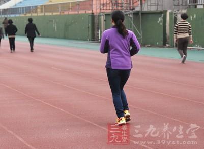 冬季暖身运动 常见小动作健康又温暖