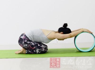 练习瑜伽不是需要身体使用蛮力