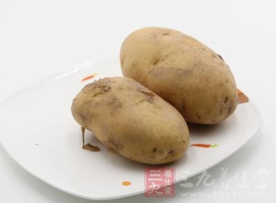 土豆是人们家常菜中极为常见的一道食物