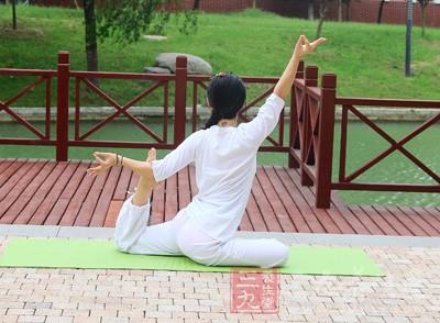 一个人自学瑜伽可以吗