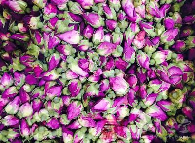玫瑰,有疏肝解郁的作用,对于保护肝脏,促进新陈代谢