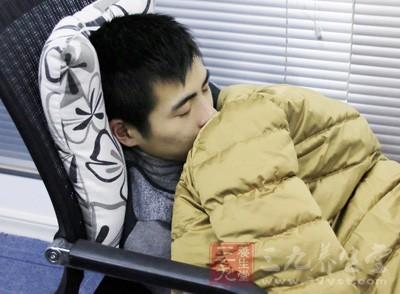 打鼾不是睡得香,而是睡得不实