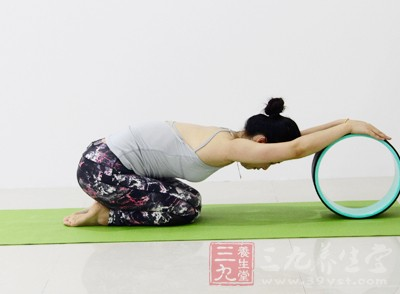 而要想使得瑜伽的养生功效扩大化,就得会呼吸