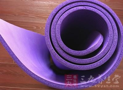 瑜伽垫的日常保养 如何清洗瑜伽垫