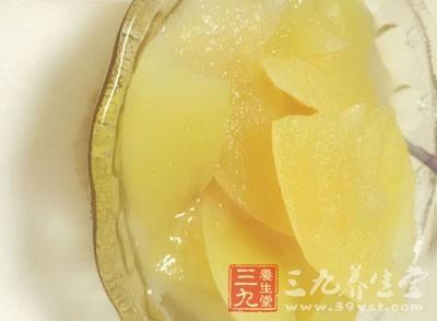吃梨有润肺化痰的功效