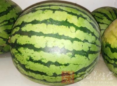 吃西瓜禁忌 六种人最好少吃西瓜