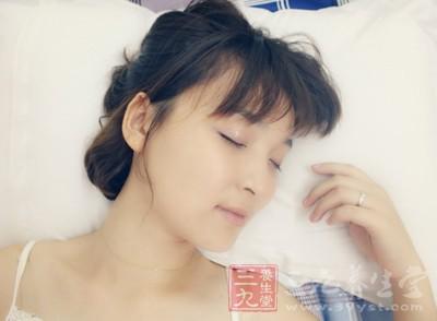 当睡眠效率低于80%的时候减少15~20分钟的卧床时间