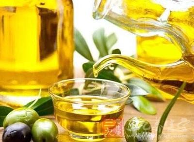 济南某公司的橄榄油已经过期一年 仍在出售