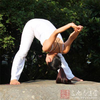 瑜伽健体可以提高人体四肢的柔韧度和协调性